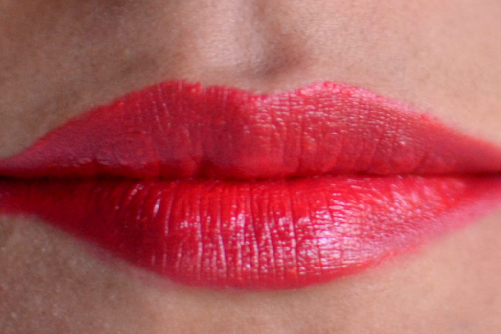 revlon super lustrous lipstick fire & ice review and swatches on indian skin tone